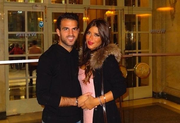 Сеск Фабрегас с своей женой Даниэллой Семаан.
