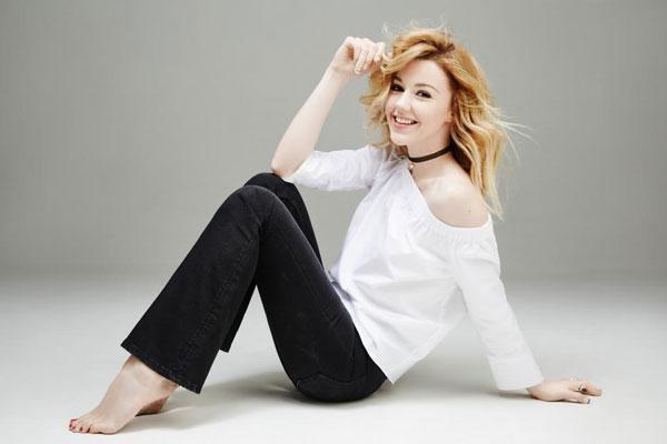 Юлианна караулова фото видео