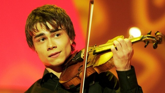Александр Рыбак со скрипкой