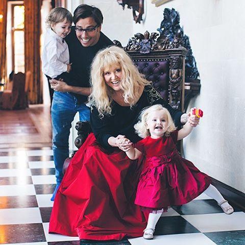 пугачева и ее дети сегодня фото