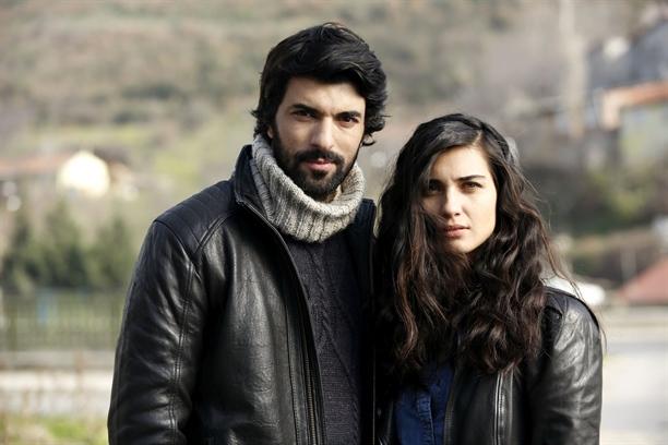 энгин акюрек фото с женой