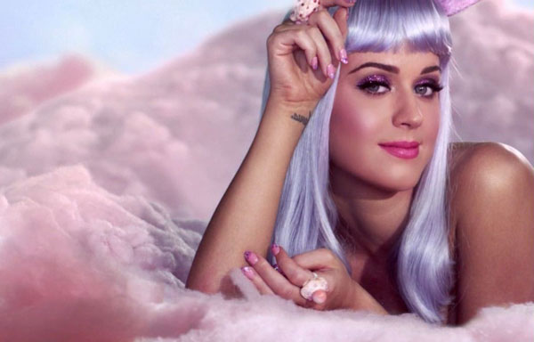 «Dark Horse» на съемках клипа California Gurls